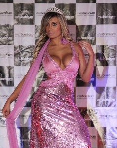 Brazilian reality star Andressa Urach victim of 'too much vanity' — and too much silicone